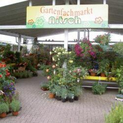 Gartenfachmarkt links